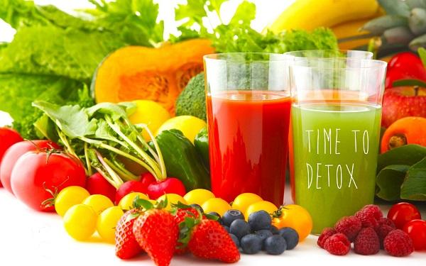 Uống cái loại thức uống trái cây tươi detox
