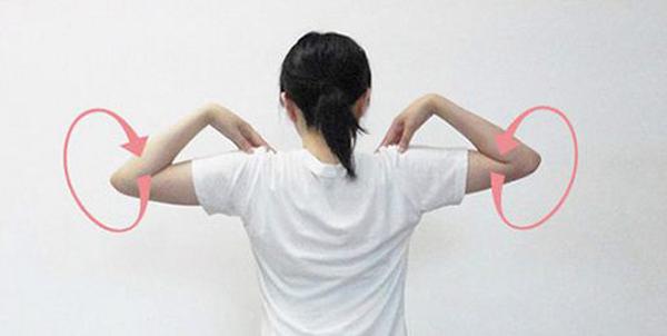 Thực đơn giảm cân sau sinh kết hợp tập thể dục tại nhà hiệu quả - Bài tập xoay khủy tay