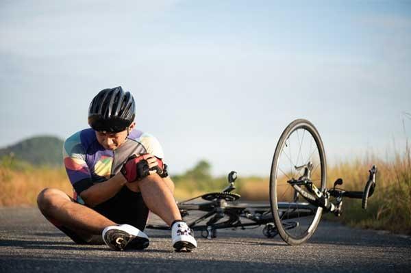 6 chấn thương VĐV đạp xe hay gặp đau đầu gối