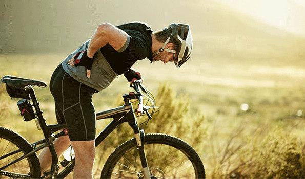 6 chấn thương VĐV đạp xe thường hay gặp - Đau lưng dưới thắt lưng
