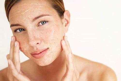 hướng dẫn chăm sóc da mặt mùa hè - dưỡng ẩm cho da
