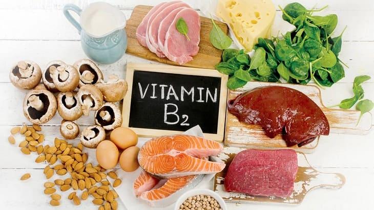 Cách trị khô môi nứt nẻ - Bổ sung thực phẩm giàu Vitamin B2