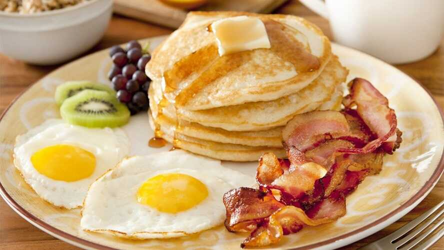 Cách giảm cân - ăn sáng giàu protein