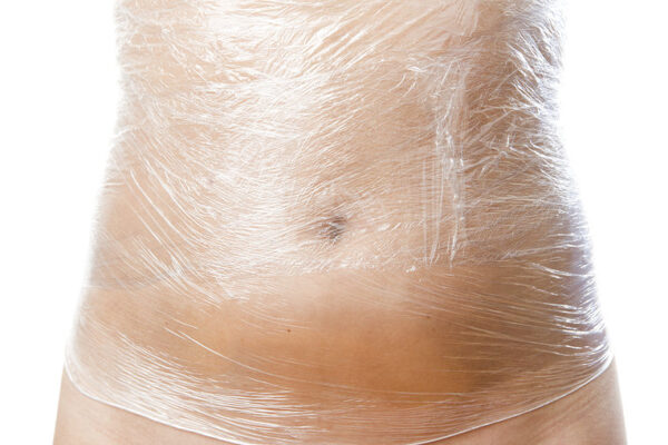 Cách giảm mỡ - quấn nilong giảm mỡ bụng